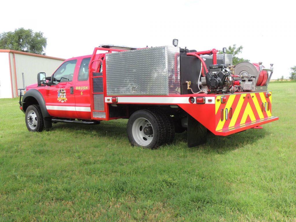 brush truck wildland grass fire